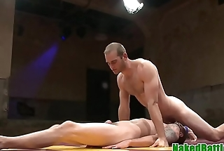 Submissive hunk asslicked after wrestling