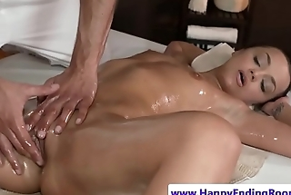 Hunky masseur plows babe after erotic rubdown