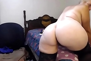 Moaning granny Twiddles with booty fucks a hairy vagina