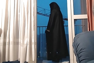 exhibe en niqab et collant