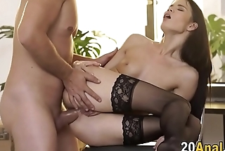 Hottie gets ass plowed