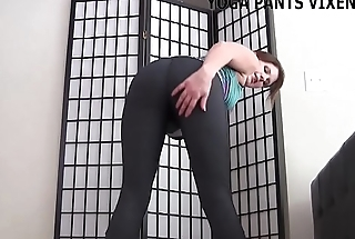 My bubble butt looks great in these new yoga pants JOI