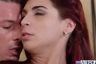 Horny MILF seduces young handyman(Jessica Red) 02 video-14