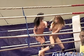 Dyke beauty fingers her wrestling opponent